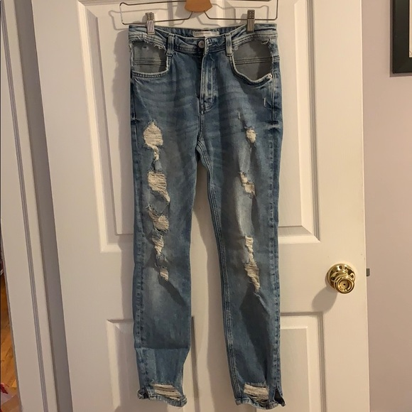 Zara jeans with pockets cut out